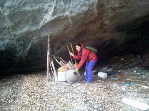 Raccolta del materiale sulla spiaggia di Frontone.2