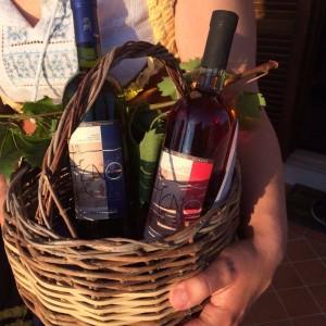 cesto con vino